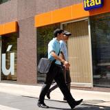 El brasileño Itaú Unibanco anuncia fusión en Chile con CorpBanca