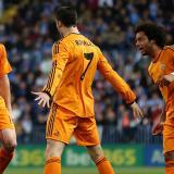 Cristiano Ronaldo, delantero portugués del Real Madrid, celebra su tanto ante el Málaga.
