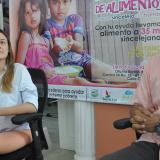 Ana María Castañeda, gestora social, y Julio Osorno, coordinador del Banco de Alimentos.