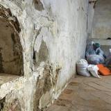 Los técnicos que buscan a Miguel de Cervantes trabajan en la cripta de la iglesia madrileña de las Trinitarias.