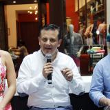 Laura Tobón, Héctor Corredor y Juan Carlos Delgado, en la rueda de prensa de la Autogira Mercedes-Benz.