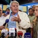 """Este video fue publicado por Venezolana de Televisión. Según ellos muestra como Felipe González """"huyó"""" del país en un avión de a FAC."""
