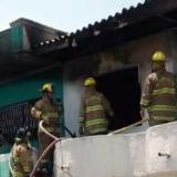 Bomberos controlan incendio en el barrio El Campito