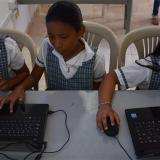 Las TIC atraen a los estudiantes hacia las escuelas.