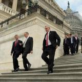 Los congresistas aprobaron también un recorte fiscal de 680.000 millones para empresas y trabajadores de bajos ingresos.