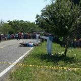 Choque de dos motos deja tres muertos en Sucre