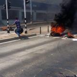 Habitantes del Rosario y Barrio Abajo bloquean la carrera 46 por falta de energía eléctrica