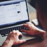 ¿Sabes cuáles son los usos más frecuentes que le dan los colombianos al internet?