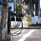 Cables enredados en un poste ubicado en la carrera 53 con calle 96.