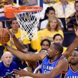 Kevin Durant tiene sudando a los Warriors