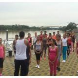 Las candidatas han ensayado en la Ronda del Sinú para el desfile de mañana por el río.