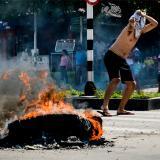 Los manifestantes quemaron llantas y taponaron la vía en Murillo con carrera 19.