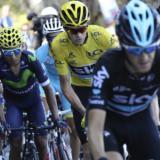 Nairo Quintana, líder del Team Movistar junto al británico Chris Froome, líder del Tour.