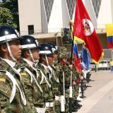 Con desfiles, celebran 206 años de Independencia en Colombia