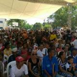 Habitantes del municipio de Algarrobo esperan al presidente Santos.