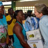 Primera dama de la Nación entrega ayudas a damnificados del Chocó