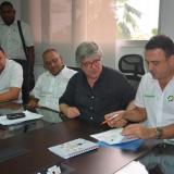 Los representantes, durante el encuentro de ayer.