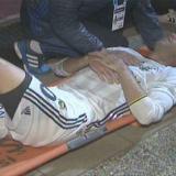 Van Persie sufre un codazo y podría perder su ojo izquierdo