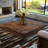 Imagen donde se aprecia uno de los tapetes artesanales, fabricados por la compañía bogotana.