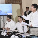 El embajador de Estados Unidos en Colombia, Kevin Whitaker; Kenneth Blanco, vicefiscal adjunto, y Néstor Humberto Martínez, durante la Cumbre de ayer en Cartagena.