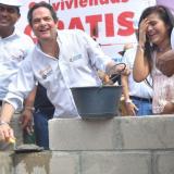 920 viviendas para Guajira, anuncia el vicepresidente Vargas Lleras
