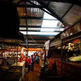 En el mercado EPM los comerciantes se quejan por los daños en la infraestructura, especialmente en el techo.