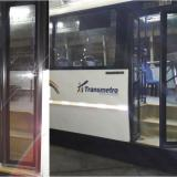 Puertas con vidrios rotos, el saldo del ataque a un bus de la ruta A3-2 Soledad 2000.