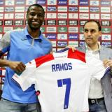 """Adrián Ramos llega al Granada para aportar """"goles y experiencia"""""""