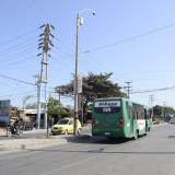 Calle 17 con carrera 35B, frente al CAI de los Tres Postes, en el barrio Rebolo.