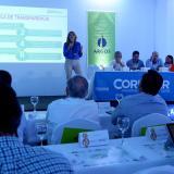 La secretaria General, Ana María Aljure, explica los procesos que se realizaron en el Distrito.
