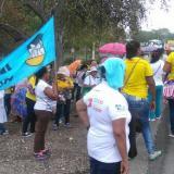 Madres comunitarias bloquean La Cordialidad, cerca a Baranoa