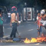 Nueva jornada violenta de protestas en Venezuela contra Maduro