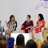 Las diseñadoras Francesca Miranda, María Luisa Ortíz, Mónica Holguín y Daniella Lafaurie en el panel.