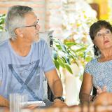 René Tora y su esposa Dominique cuando relataban ayer lo sucedido en la tarde-noche del viernes en Cartagena.