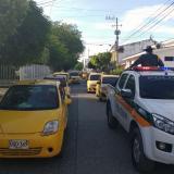 Al menos 800 taxistas en Montería marcharon contra las plataformas ilegales