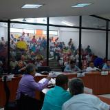 Maestros hacen presencia en la sesión ordinaria del Concejo Distrital