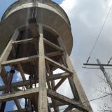 Rescatado hombre que pretendía lanzarse desde un tanque elevado en Soledad