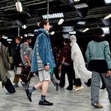 Los hombres también muestran las piernas en la Semana de la Moda de París