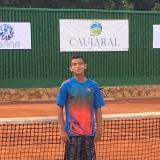 'Santi' Rueda, a paso firme en torneo de tenis del Caujaral
