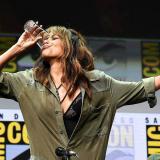 En video   El gesto de Halle Berry al tomar un vaso de whisky de un solo trago