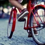 Iniciativa busca incentivar el uso de la bicicleta y ayudar a niños en el deporte