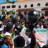 Mototaxistas de Cartagena rechazan el decreto de prohibición del parrillero