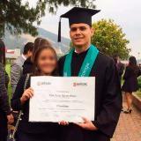 Luis Felipe Arraut Gámez el día de su grado como odontólogo.