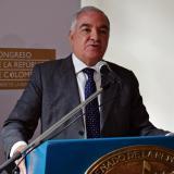 El contralor Edgardo Maya Villazón presenta los informes en el Congreso.