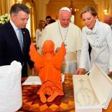 ¿Qué hará el Papa con los regalos que recibió en Colombia?