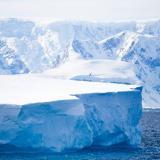 Se desprende gigantesco iceberg de la Antártida