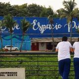 Un muro gigante llena de arte el espacio público frente al Malecón, en Siape