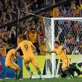 Australia vence 2-1 a Siria y jugará el repechaje
