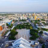 Panorámica de la Plaza de la Paz, cuya ampliación requiere la compra de 18 predios.
