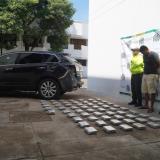 Policía encuentra 59 kilos de coca en vehículo de alta gama en La Guajira